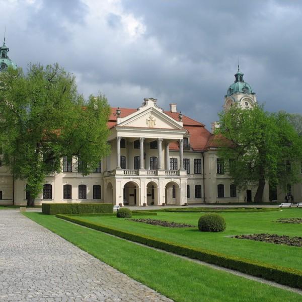 Palace_in_Kozłówka_1